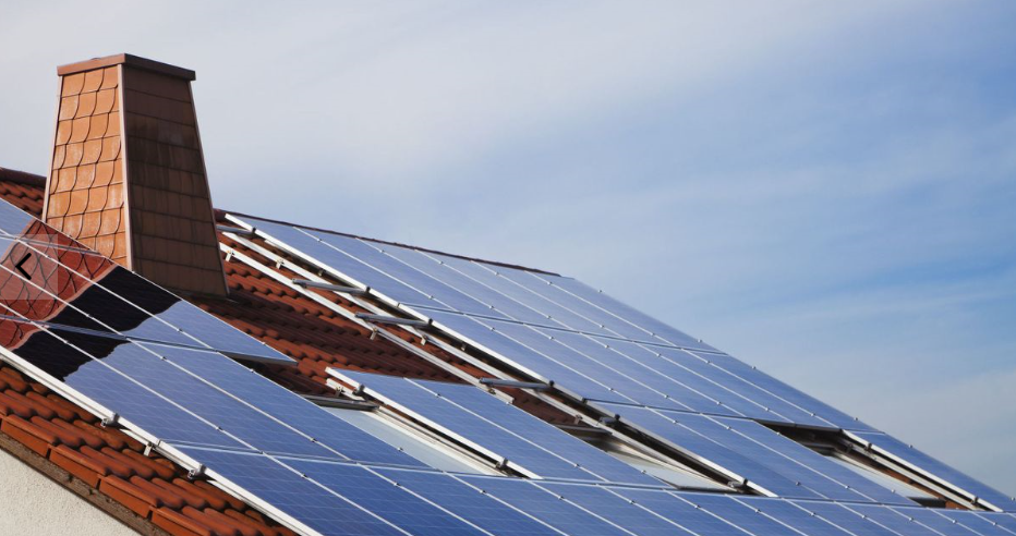 Here's How Much Power You'd Get From Solar Panels on Your Roof