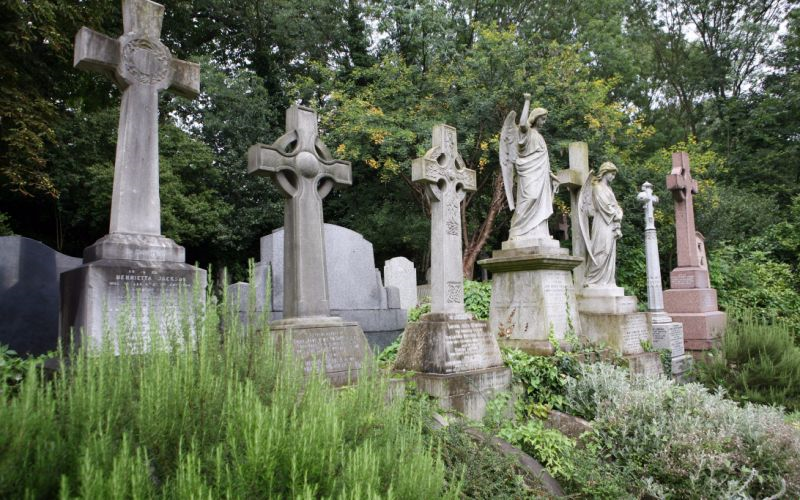From George Michael to Karl Marx: The famous names at Highgate Cemetery